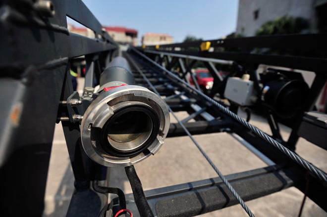 Hệ thống ống nước xe thang